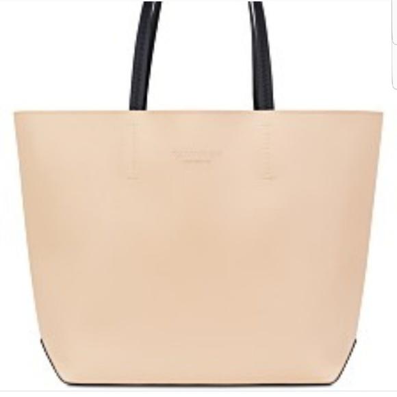 8175f69afa26e Calvin Klein tote bag. NWT